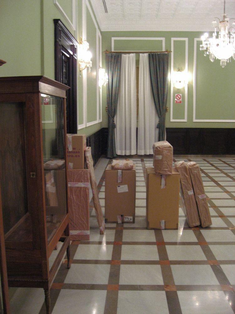 Embalaje de mobiliario delicado.